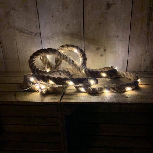 Touw met lampjes van lesverlichting